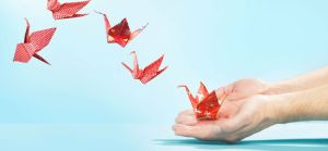 Red-origami-cranes-1920x900_28776